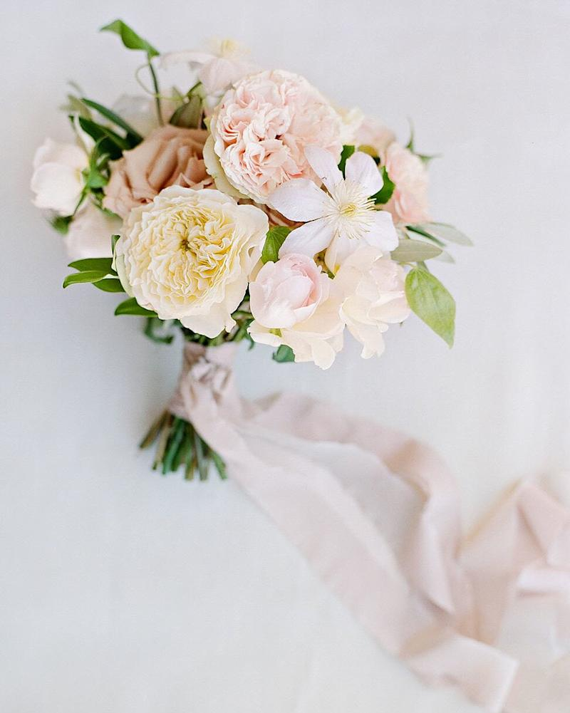 How to Incorporate Your Favorite Flower Into Every Element of Your Wedding