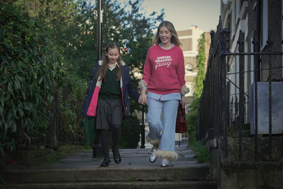 Ryan treats her budding Tory daughter (Katy Byrne) to a riff on immigration during a school run. (Photo: Simon Ridgway/NETFLIX © 2020)