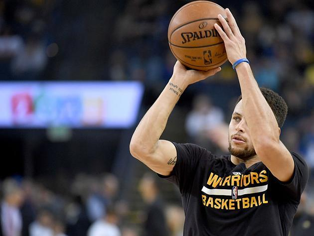 """<a class=""""link rapid-noclick-resp"""" href=""""/nba/players/4612/"""" data-ylk=""""slk:Stephen Curry"""">Stephen Curry</a> and the poor shooting stroke and tattoos that your dad will notice. (Getty Images)"""