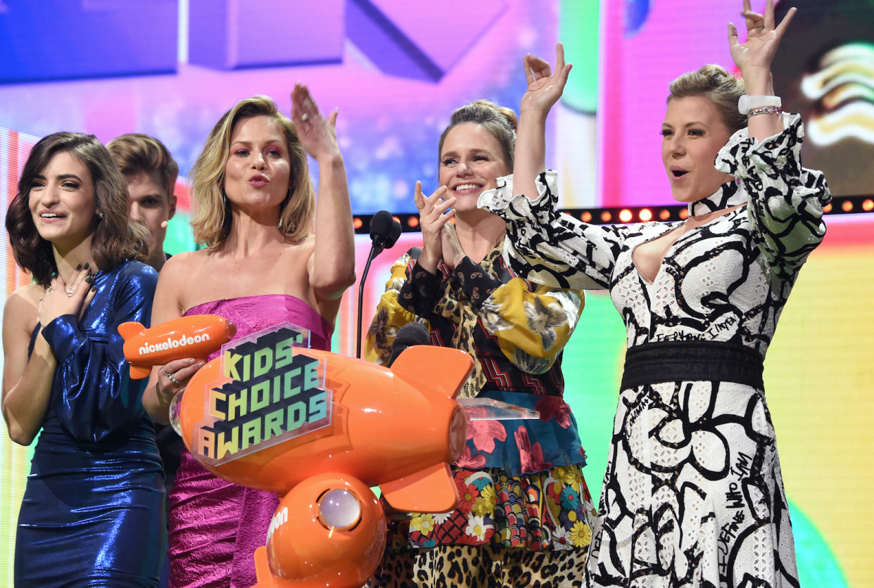 Candace Cameron Bure, Andrea Barber and Jodie Sweetin alluded to the Lori Loughlin drama at the Kids' Choice Awards on Saturday. (Photo: Kevin Mazur/KCA2019/Getty Images for Nickelodeon)