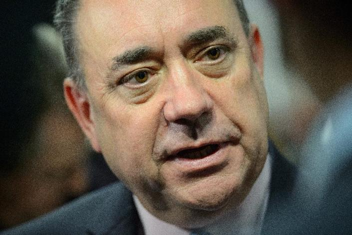 """Alex Salmond resigned as leader of the Scottish National Party and first minister of the devolved government in Edinburgh after Scots voted """"no"""" to independence by 55 to 45 percent (AFP Photo/Leon Neal)"""