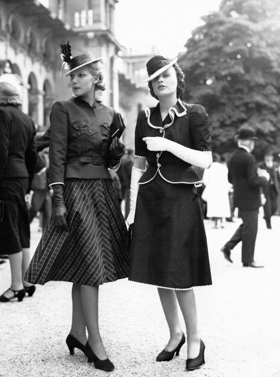 <p>A-line skirts quickly replace the pencil skirt suit, giving the legs just a bit of breathing room. </p>