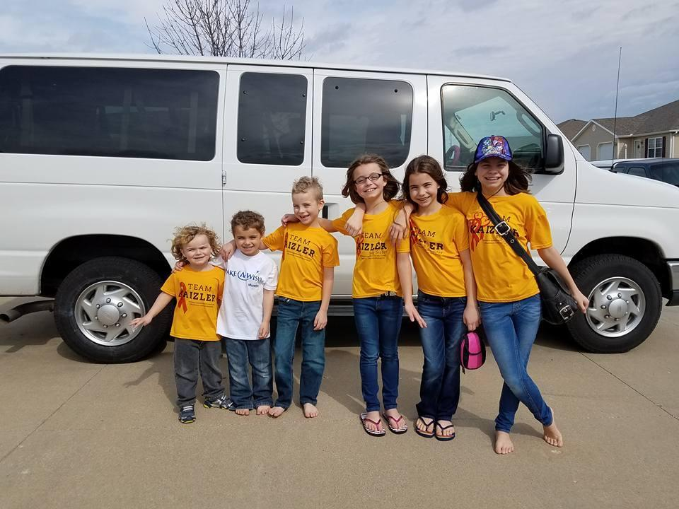 The children get ready to head to Disney World with the Make-A-Wish Foundation. (Photo: Facebook/Prayers for Kaizler)