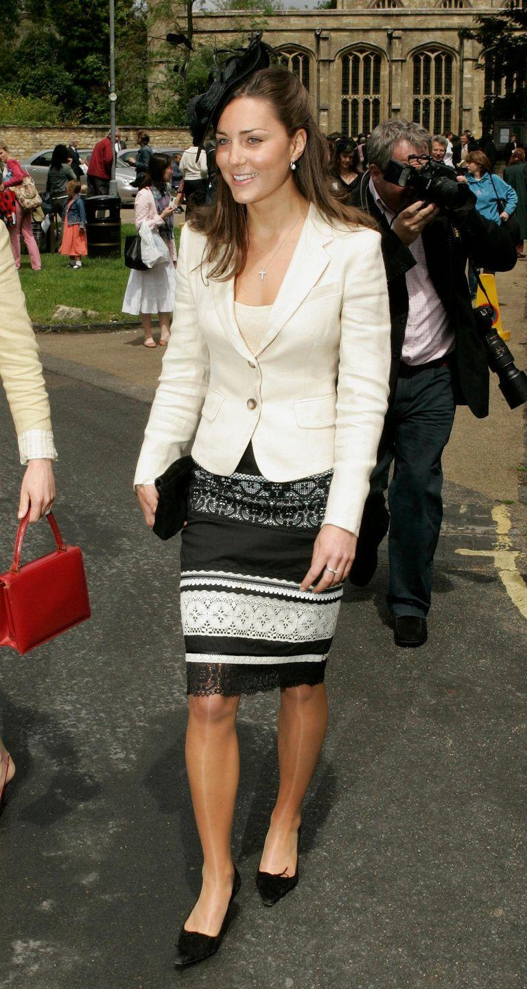 <p>Kate made an entrance to a friends' wedding in 2005 with a patterned skirt, a blazer, and a fascinator.</p>