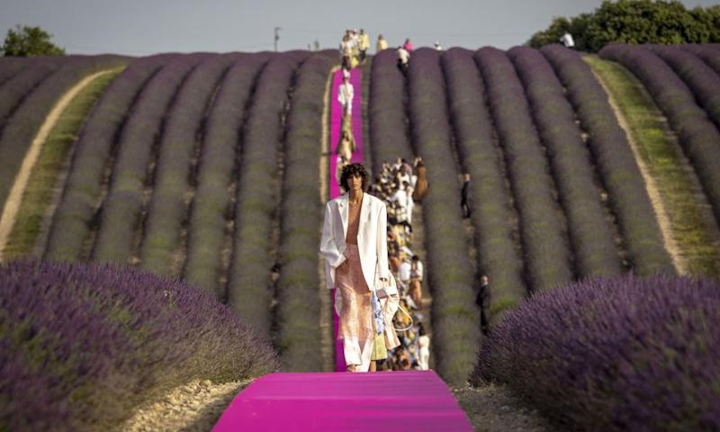 Enough to put you to sleep … the Jacquemus show.