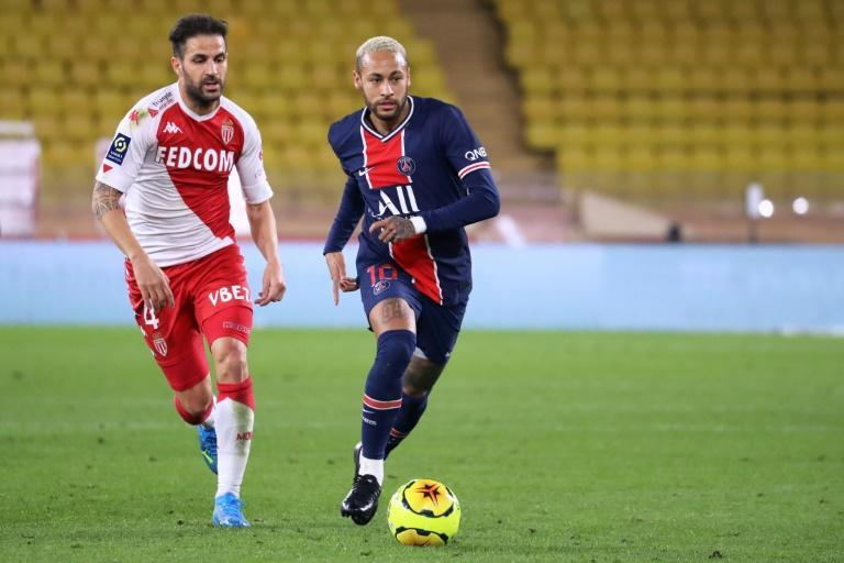Cesc Fabregas scored a late winner from the penalty spot as Monaco came back to stun PSG in Ligue 1