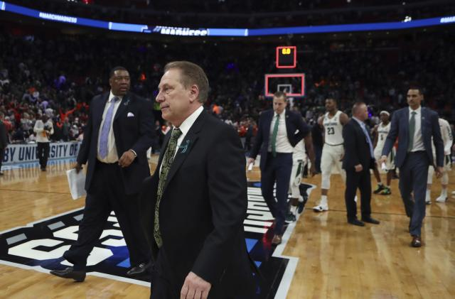 Michigan State head coach Tom Izzo walks off the court after the Spartans were eliminated from the 2018 NCAA tournament. (AP)