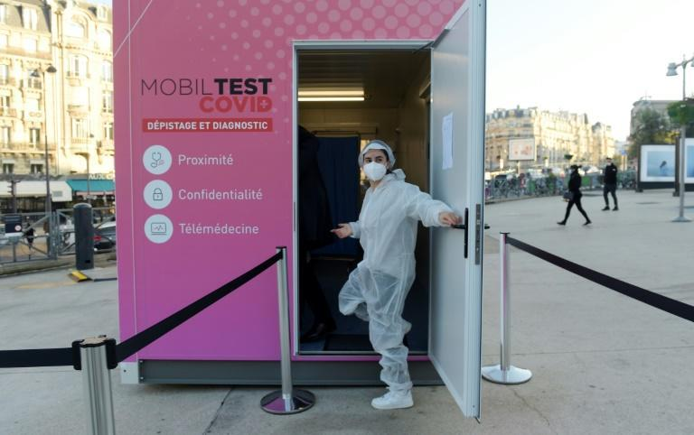 A mobile Covid-19 testing centre was installed in front of the Gare de Lyon in Paris on Thursday