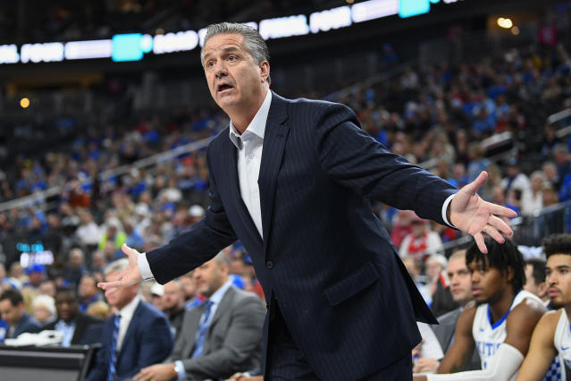 Kentucky coach John Calipari reacts to a call during the CBS Sports Classic between Ohio State and Kentucky on Saturday. (Brian Rothmuller/Getty Images)