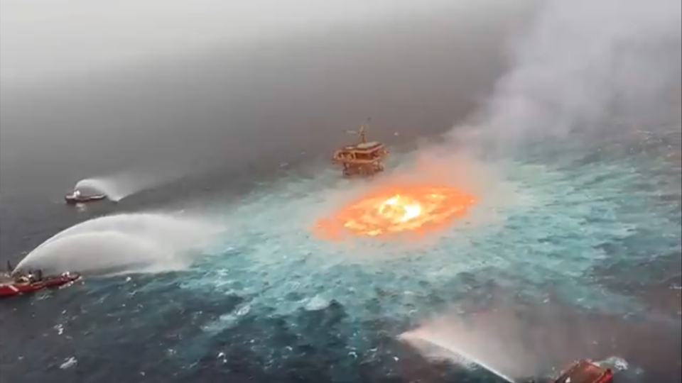 A lightning strike caused a massive fire on the surface of the Gulf of Mexico after gas leaked from an underwater pipeline, according to Mexico's state-owned Pemex petrol company (Twitter/Manuel Lopez San Martin)