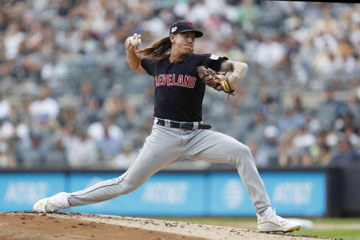 Indians starter Clevinger has knee surgery, out 6-8 weeks