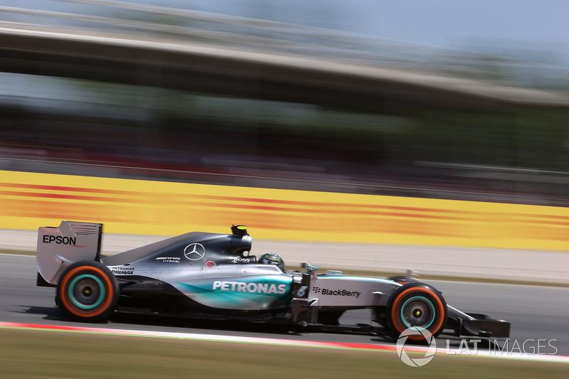 "2015: Nico Rosberg, Mercedes F1 W06 Hybrid<span class=""copyright"">Sutton Motorsport Images</span>"