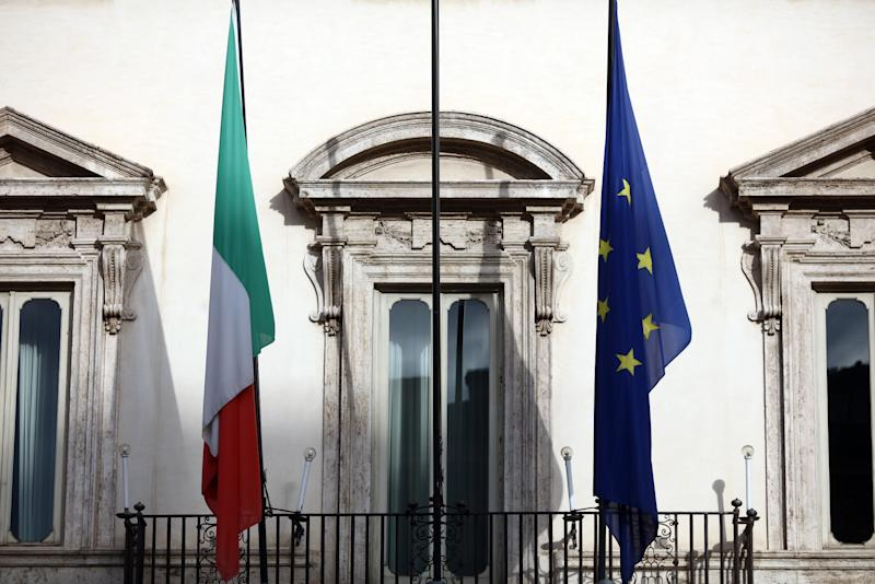 Italy and France far-right leaders slam Brussels 'bunker'