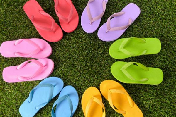 "<b>3) Flip-Flops</b> <br>Let's face it; flip-flop is<a target=""_blank"" href=""http://www.mensxp.com/fashion/fashion-tips/6395-getting-your-beachwear-right.html""> beachwear. </a>Strolling casually on roads, or in malls or theatres wearing flip-flops will do you no good. It's barely there covering your feet and you'll end up getting a tan. Moreover, if you don't have a habit of trimming your toe nails, it can also make for an ugly site. Save yourself the misery!<br><br>Try- wearing loafers instead. They are in trend and look stylish. Do not forget to trim your nails too!"