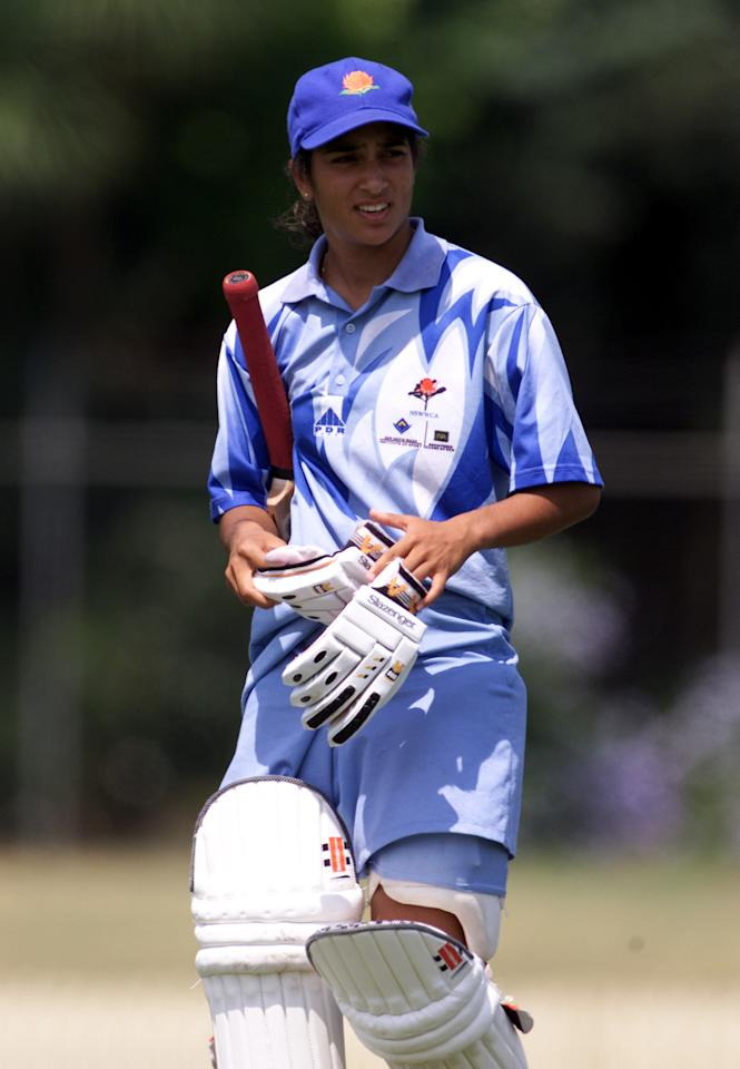 27 Jan 2001:   Lisa Sthalekar of NSWIS Blues during game two of the Women's National Cricket League Final Series 2000-2001 between NSWIS Blues and Queensland Fire played at Bankstown Memorial Oval, Sydney, Australia. DIGITAL IMAGE. Mandatory Credit: Scott Barbour/ALLSPORT