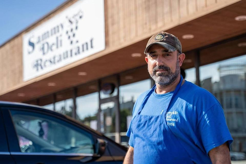 "Billy Harris opened Sammy's Deli with Serafimes ""Sammy "" Balatsias in 1997. The restaurant closed on Dec. 1."