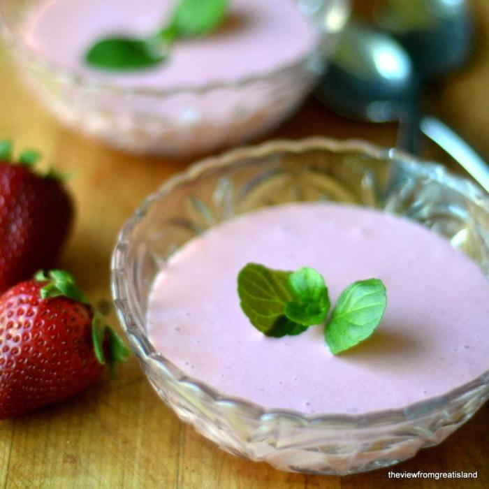 Simple Roasted Strawberry Soup