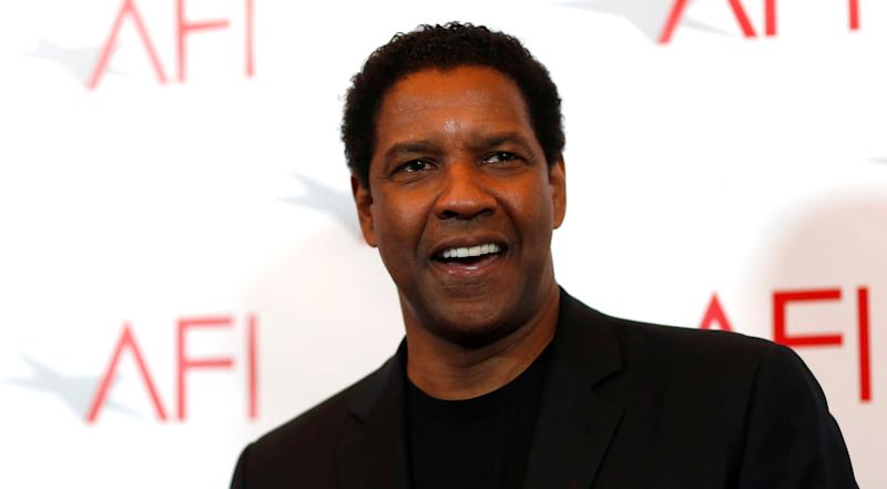 Actor Denzel Washington poses at the American Film Institute Awards in Los Angeles, California U.S., January 6, 2017. REUTERS/Mario Anzuoni