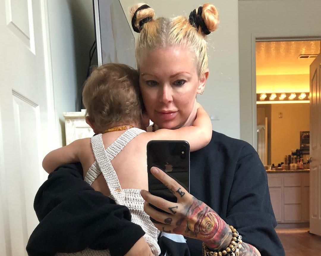 Jenna Jameson, who gave birth to Batel in April, has been documenting her postpartum weight-loss journey on Instagram. (Photo: Jenna Jameson via Instagram)
