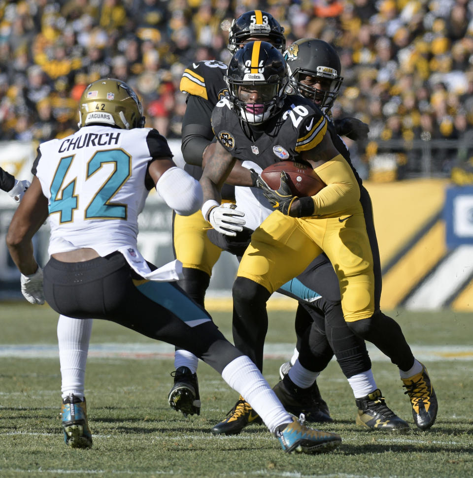 Pittsburgh Steelers running back Le'Veon Bell was stopped for a four-yard loss on fourth-and-short against Jacksonville. (AP)