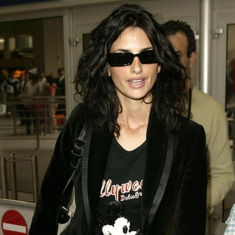 <p>Penelope Cruz arrives at Nice airport in the south of France for the 57th Annual Cannes Film Festival in May 2004.</p>