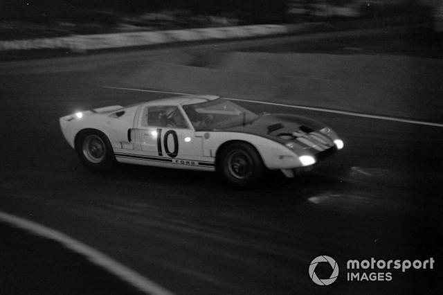 """Bruce McLaren, Phil Hill, Ford Motor Company, Ford GT40 <span class=""""copyright"""">LAT Images</span>"""