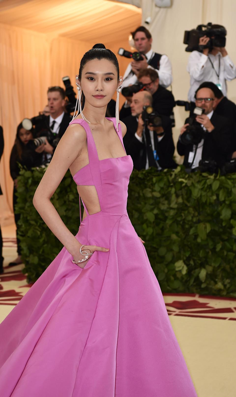 """<h1 class=""""title"""">Ming Xi in Prabal Gurung and Tasaki jewelry</h1><cite class=""""credit"""">Photo: Getty Images</cite>"""