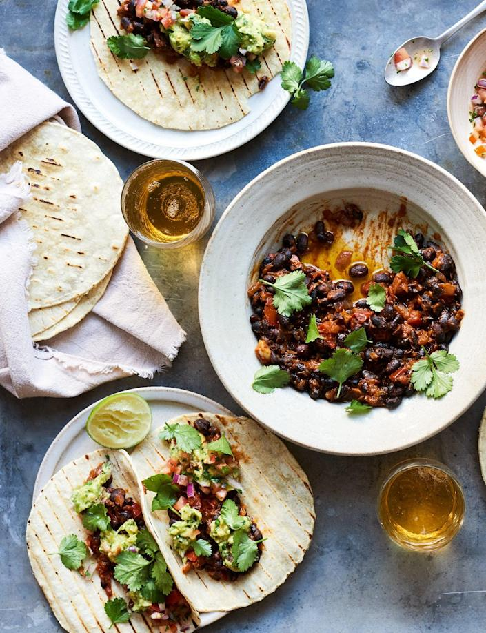 These tacos make a great Mexican-style feast (Stella, Paul and Mary McCartney © Mary McCartney/Seven Dials/PA)
