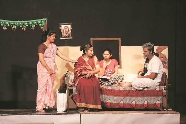 Naseeruddin Shah, Loksatta Lokankika, Nareeruddin on theatre, Yashwant Natya Mandir, art and culture, plays in mumbai, indian express news