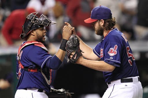 Perez cheered, gets save as Indians beat Tigers