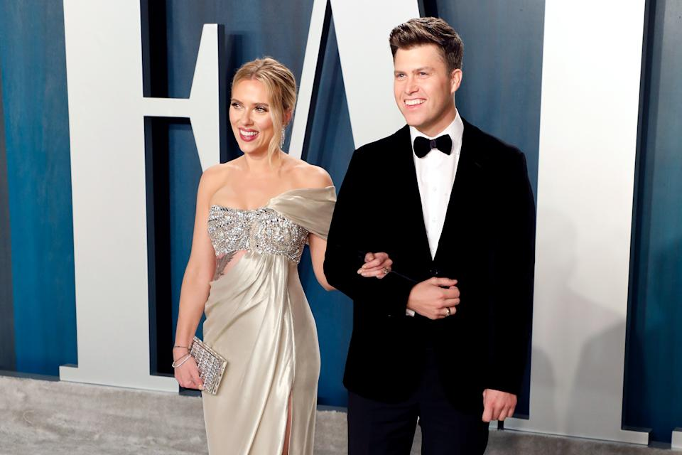 BEVERLY HILLS, CALIFORNIA - FEBRUARY 09: Scarlett Johansson and Colin Jost attend the Vanity Fair Oscar Party at Wallis Annenberg Center for the Performing Arts on February 09, 2020 in Beverly Hills, California. (Photo by Taylor Hill/FilmMagic,)