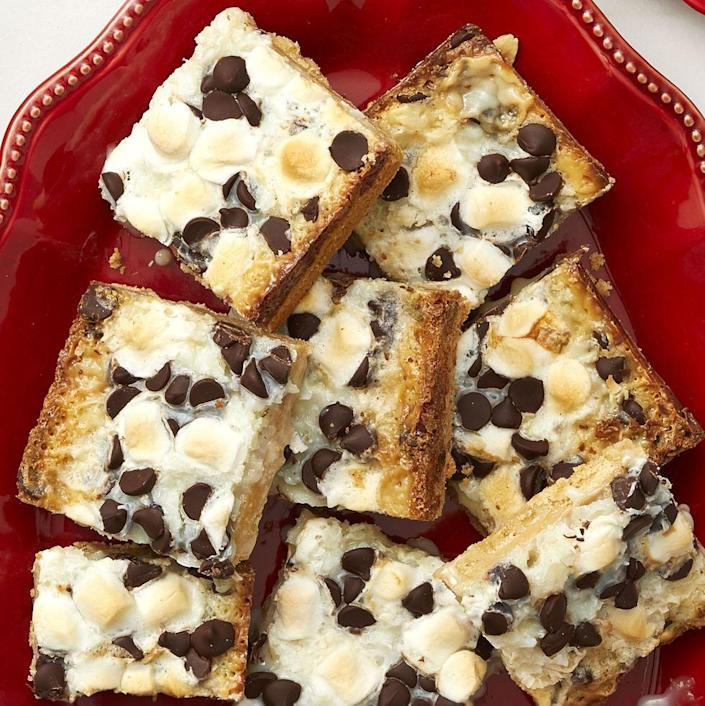 """<p>Gooey marshmallows, shredded coconut, and chocolate chips come together to form the ultimate cookie bar topping.</p><p><strong><a href=""""https://www.thepioneerwoman.com/food-cooking/recipes/a36542584/chocolate-marshmallow-bars-recipe/"""" rel=""""nofollow noopener"""" target=""""_blank"""" data-ylk=""""slk:Get Ree's recipe."""" class=""""link rapid-noclick-resp"""">Get Ree's recipe.</a> </strong></p>"""