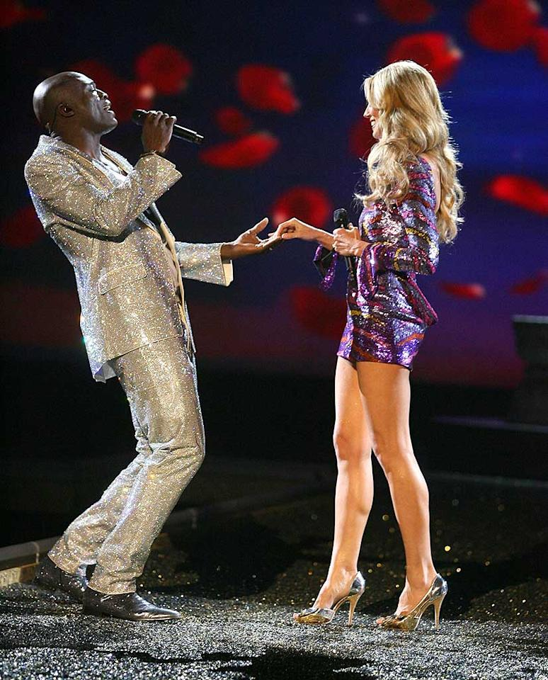 "Heidi Klum takes a break from modeling to sing a duet with her husband Seal. Steve Granitz/<a href=""http://www.wireimage.com"" target=""new"">WireImage.com</a> - November 15, 2007"