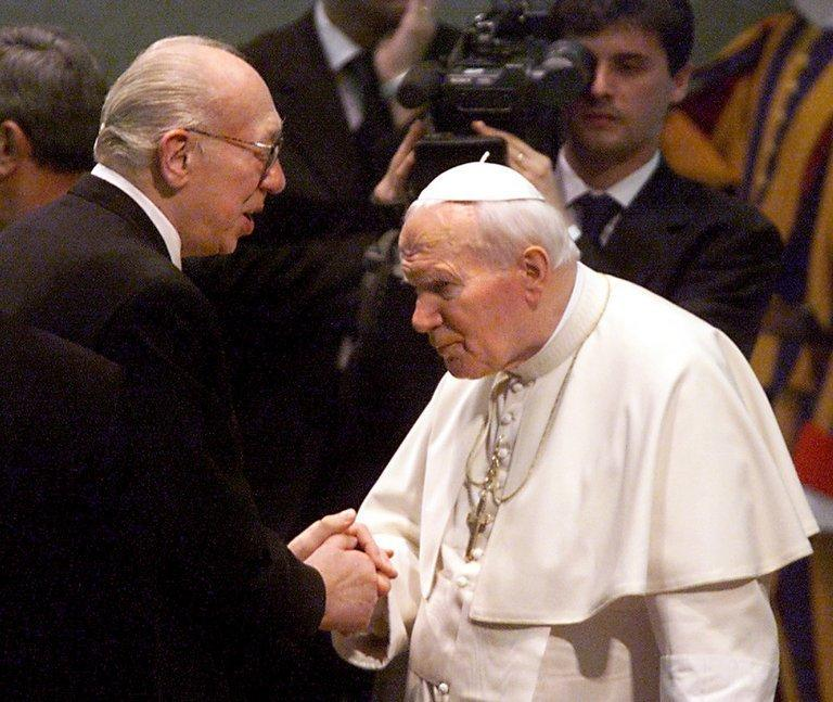 Picture taken on February 10, 1999 shows German actor Horst Tappert shaking hands with pope John Paul II at the Vatican