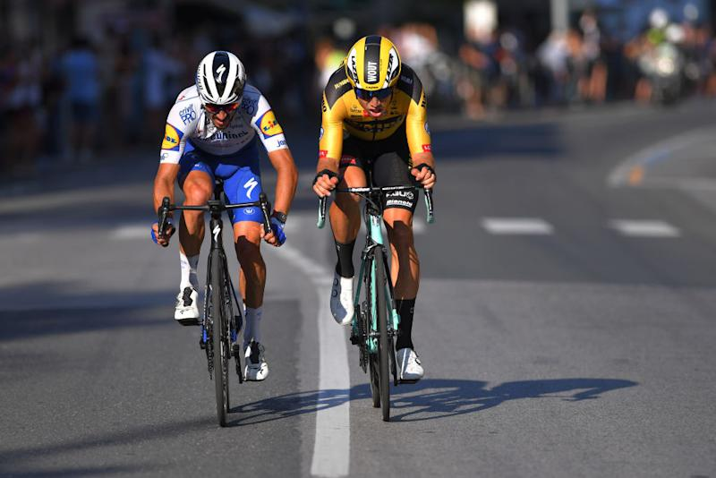Alaphilippe and Van Aert working together on the run-in