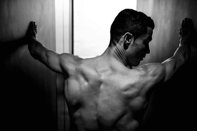 """<p>In April 2017, Ronaldo decided to show off his ripped back once again. Because it can't be all about the abs, you know?</p><p><a href=""""https://www.instagram.com/p/BSbmXqZlmSX/"""" rel=""""nofollow noopener"""" target=""""_blank"""" data-ylk=""""slk:See the original post on Instagram"""" class=""""link rapid-noclick-resp"""">See the original post on Instagram</a></p>"""
