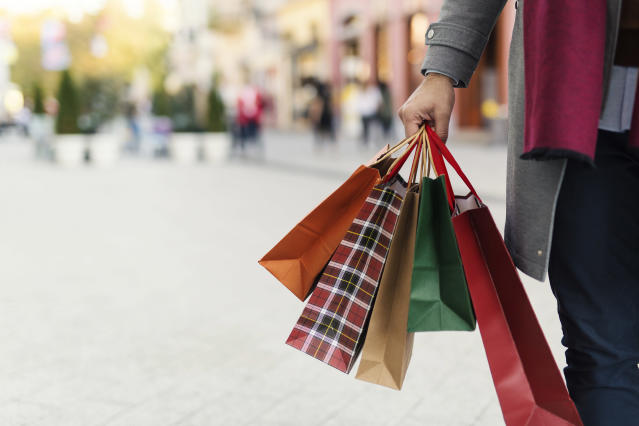 One in 10 Brits leave the majority of their present buying until the final few days before Christmas. Photo: Getty