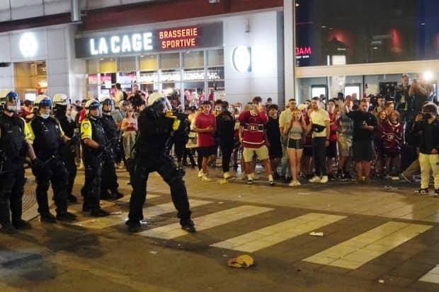 Montreal police fired tear gas cannisters at fans soon after Monday's win. (Ivanoh Demers/Radio-Canada - image credit)
