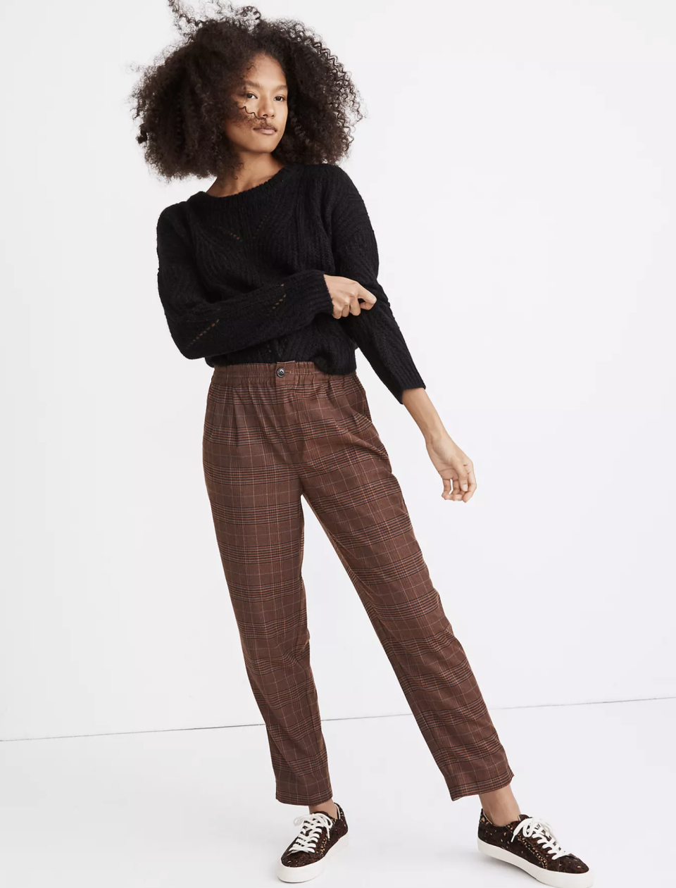 "<p><strong>Madewell</strong></p><p>madewell.com</p><p><strong>$98.00</strong></p><p><a href=""https://go.redirectingat.com?id=74968X1596630&url=https%3A%2F%2Fwww.madewell.com%2Fplaid-flannel-track-trousers-MC154.html&sref=https%3A%2F%2Fwww.seventeen.com%2Ffashion%2Fg34644503%2Fmadewell-black-friday-sales-2020%2F"" rel=""nofollow noopener"" target=""_blank"" data-ylk=""slk:Shop Now"" class=""link rapid-noclick-resp"">Shop Now</a></p><p>I wasn't planning on shopping this sale for myself, but then I saw these plaid pants...</p>"