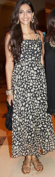 Sonam Kapoor at the anniversary party of Akshay Kumar and Twinkle Khanna