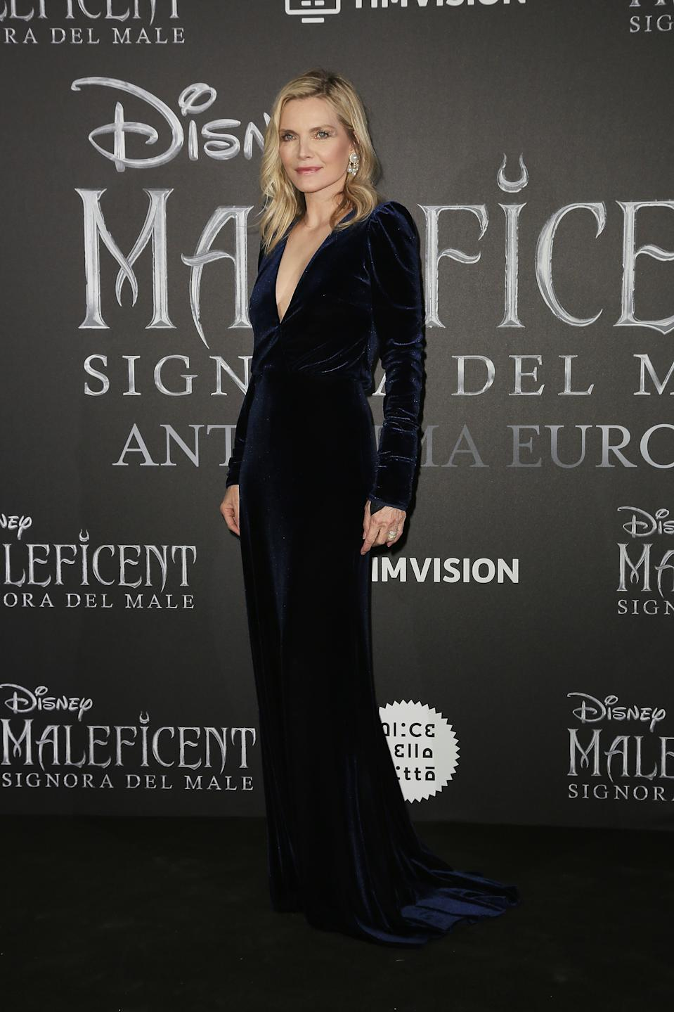 Michelle Pfeiffer wearing Monique Lhuiller. <em>[Photo: Getty]</em>