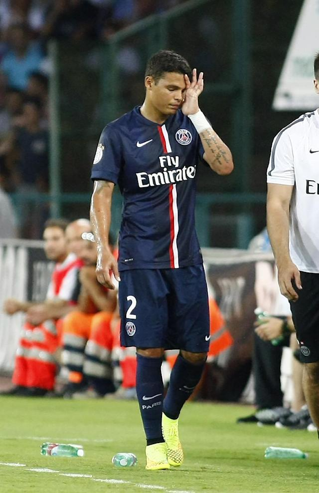 Paris Saint-Germain's Thiago Silva injured his hamstring in a friendly match against Napoli at the San Paolo Stadium in Naples, on August 11, 2014 (AFP Photo/Carlo Hermann)