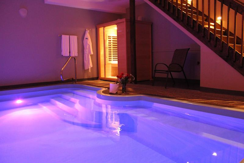 "A private pool of the <a href=""https://www.tripadvisor.com/Hotel_Review-g50838-d308614-Reviews-Belamere_Suites-Perrysburg_Ohio.html"" target=""_blank"">Belamere Suites Hotel in Perrysburg, Ohio</a>, which snagged the top spot for TripAdvisor's best hotel in the U.S. for romance. A night at Belamere Suites averages about <a href=""https://www.tripadvisor.com/Hotel_Review-g50838-d308614-Reviews-Belamere_Suites-Perrysburg_Ohio.html"" target=""_blank"">$218 a night</a>. (Belamere Suites Hotel)"