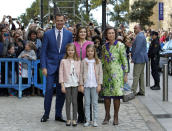 <p>King Felipe VI and Queen Letizia currently reign Spain. The couple are photographed here alongside their daughters, Princess Leonor and Sofía. The Queen Mother Sofía is pictured far right. <em>[Photo: Getty]</em> </p>