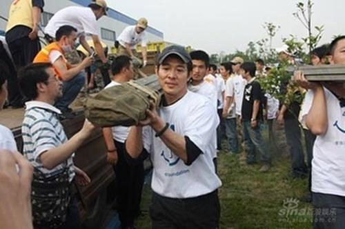 Jet Li is known for his many charitable works in China