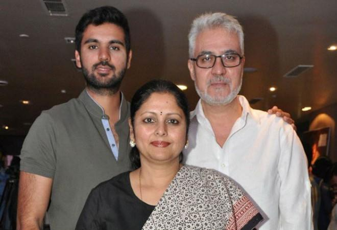 Nitin with Jayasudha and his son