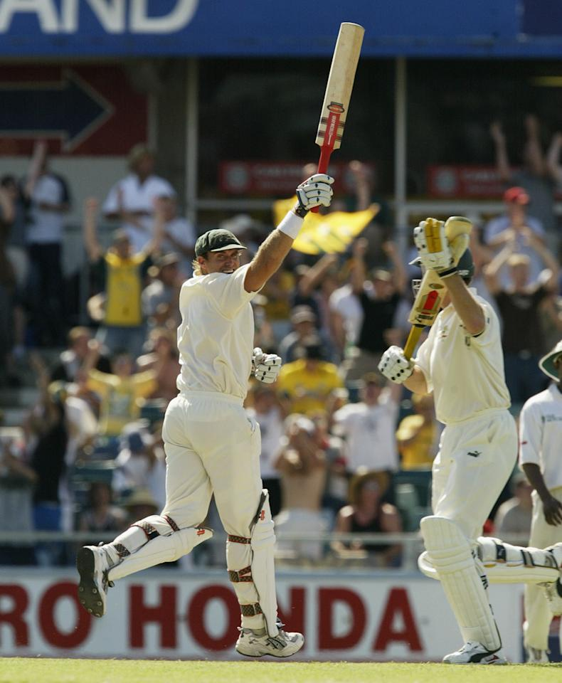 PERTH, AUSTRALIA - OCTOBER 10:  Matthew Hayden of Australia celebrates reaches 376 breaking Brian Lara of The West Indies world record of 375 during day two of the First Test between Australia and Zimbabwe played at the WACA Ground on October 10, 2003 in Perth, Australia. (Photo by Hamish Blair/Getty Images)