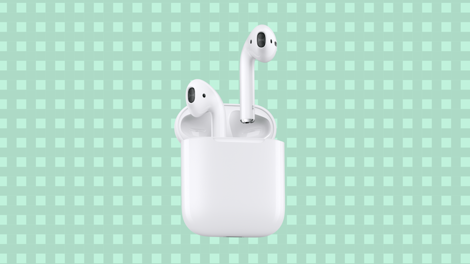 Save $ 44 on Apple AirPods.  (Photo: Amazon)