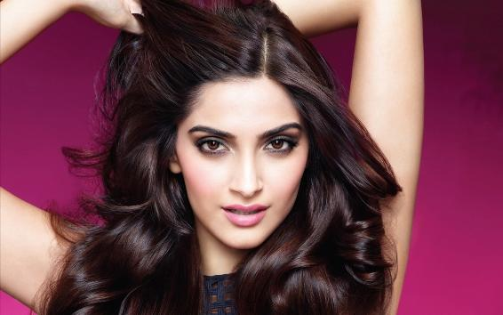 Sonam Kapoor to don bikini for YRF next!