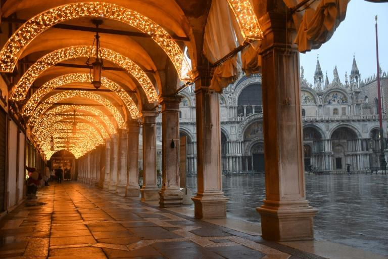 Because of the coronavirus, Venice lacks the crowds that normally throng to the city during the year-end holidays